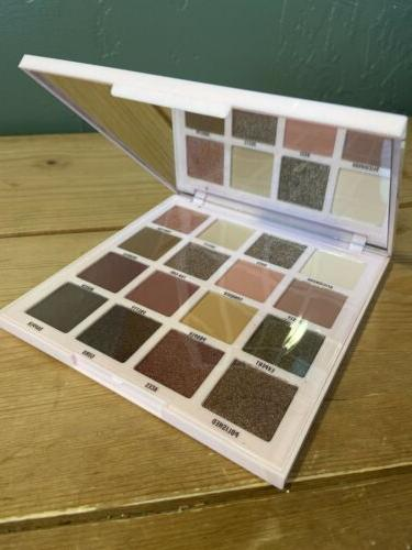 L.A. Pro 26-Color Eyeshadow NEW